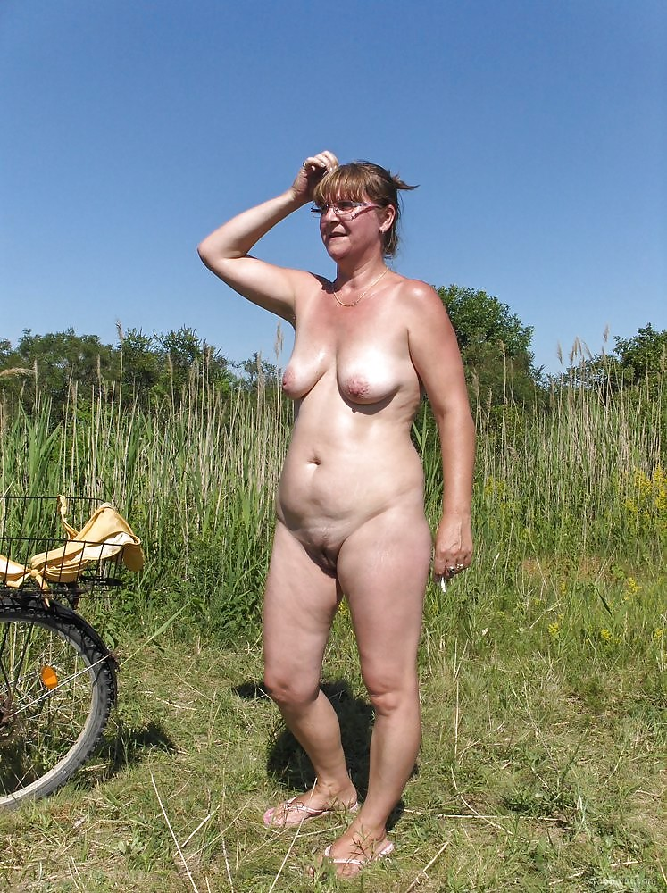 outdoor chubby babe Woman