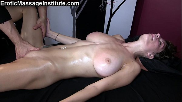 Housewife otngagged babe shaved