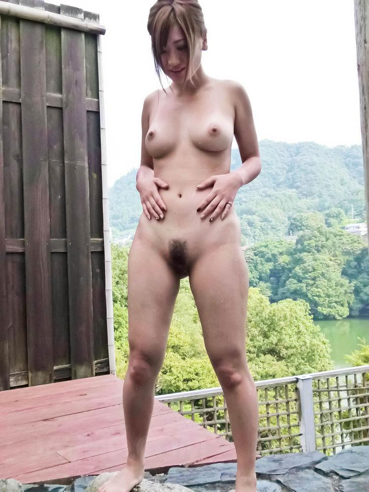 HOT MOVIE Chubby uncut outdoor bathroom