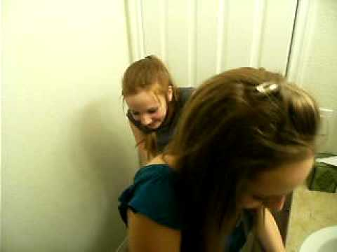 stepbrother girl Pissing licking