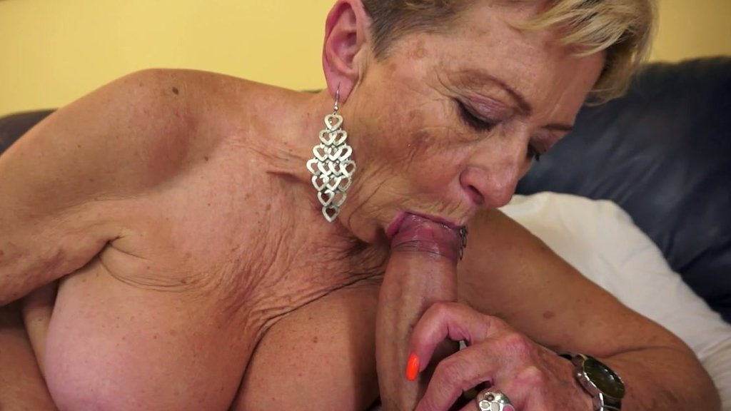 Messy gagging double penetration sexy